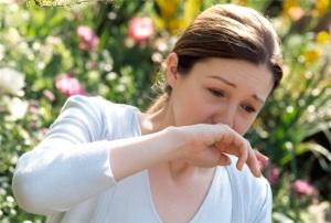 Приступ аллергического ринита