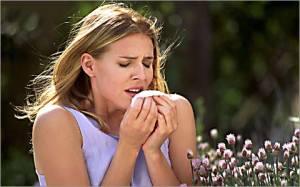 У девушки аллергический ринит