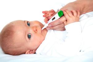 Малышу меряем температуру