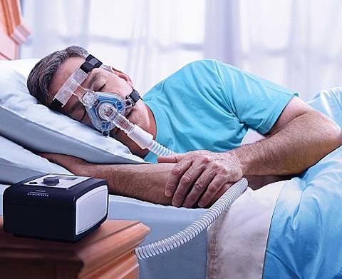 СИПАП терапия лечения храпа у мужчин