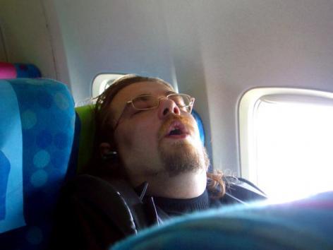 Храп из-за не удобной позы для сна