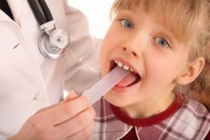 Першение в горле у ребенка: лечение
