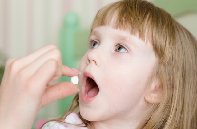 Прием таблеток детям